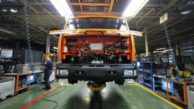 Колоссальные убытки: коронавирус грозит остановкой крупнейшим автомобильным концернам