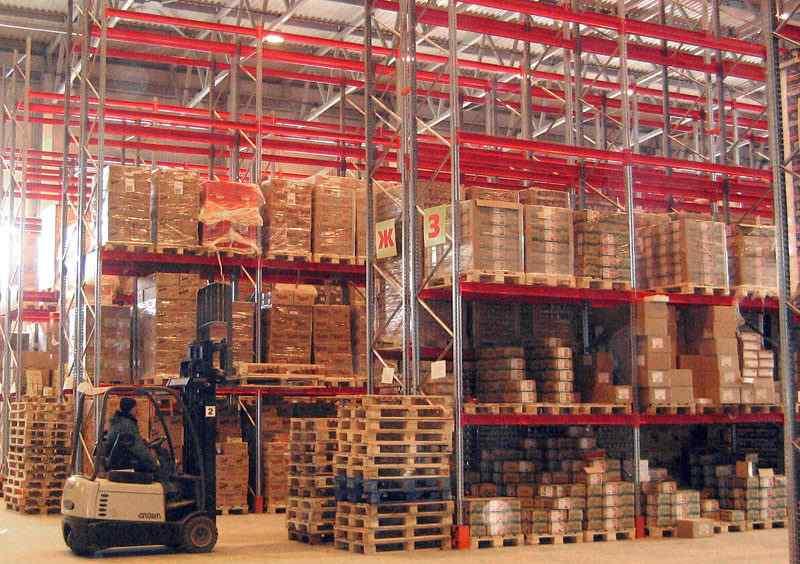 Стеллажи металлические сборные для склада: паллетные и полочные, как выбрать от производителя, преимущества разборных стеллажей