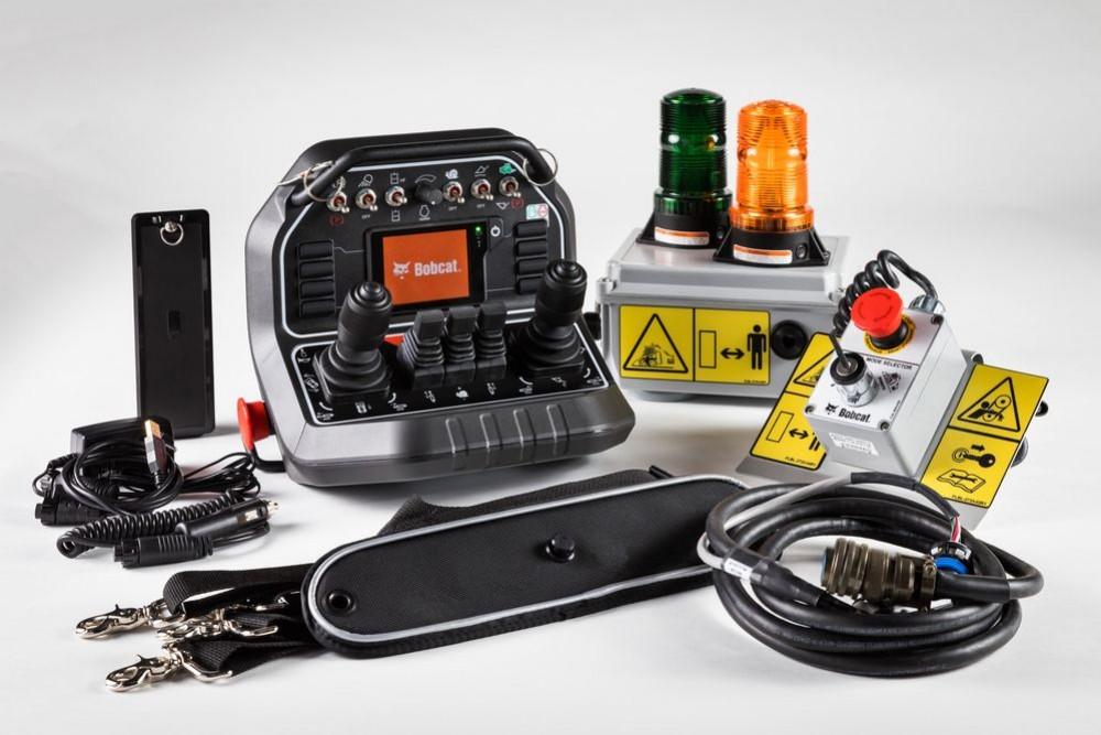 Дистанционное управления спецтехникой: модули радиоуправления тяжелой техникой